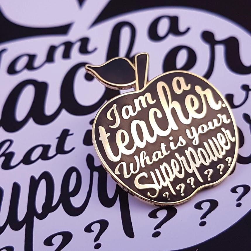 studioi-nktvis-i-am-a-teacher-pin