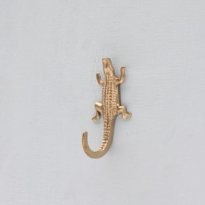 mickey-crocodile-hook-doing-goods