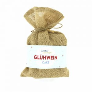Pineut-food-in-concept-gluhwein-cake
