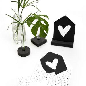 zwarte-kaart-hartje-droom-met-bedrukte-envelop-zoedt