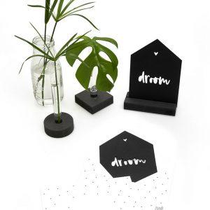 zwarte-kaart-huisje-droom-met-bedrukte-envelop-zoedt