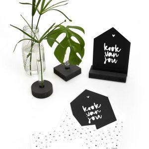 zwarte-kaart-huisje-'kook-van-jou'-met-bedrukte-envelop-zoedt