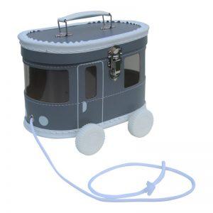 0-that-hebbedingetjes-tram-koffer-grijs